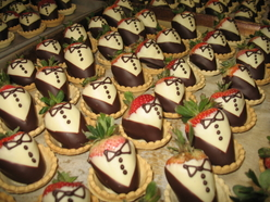 Tuxedo chocolate strawberries